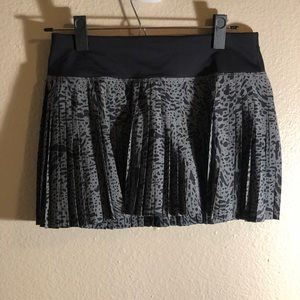 Lululemon Pleat to Street skirt - black leopard